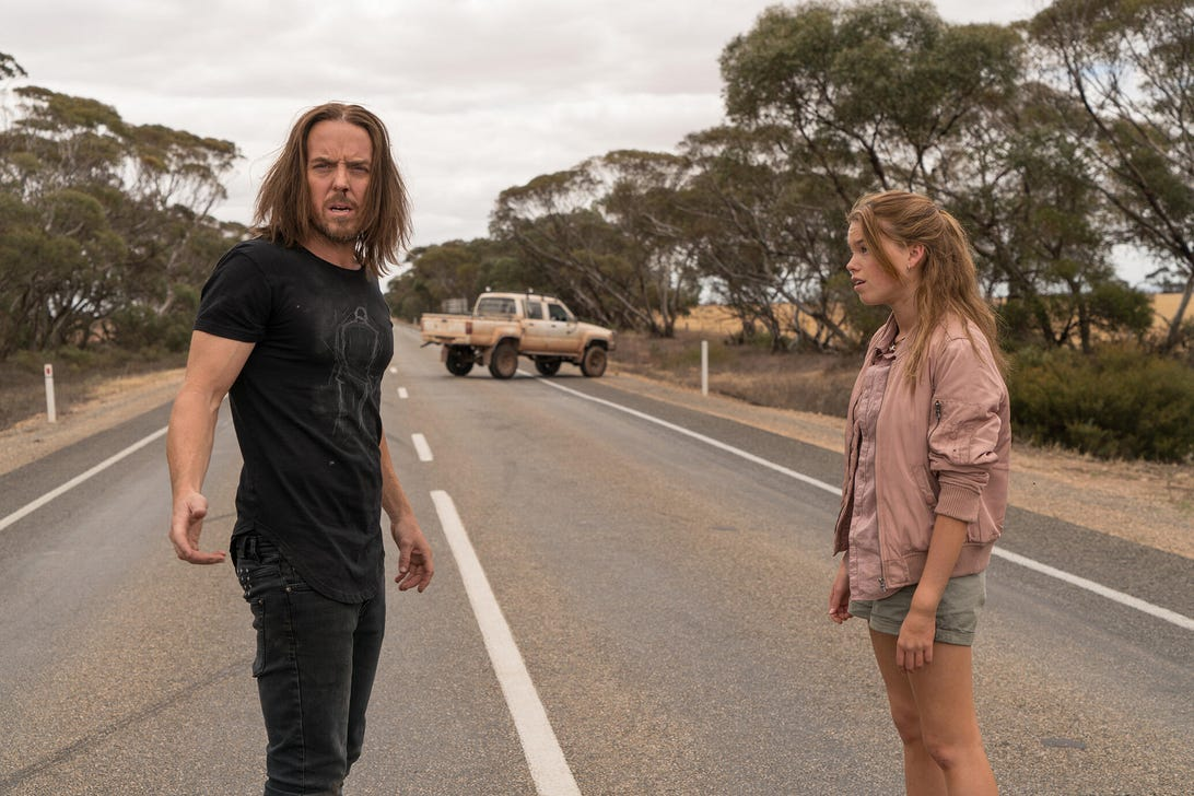 Tim Minchin and Milly Alcock, Upright