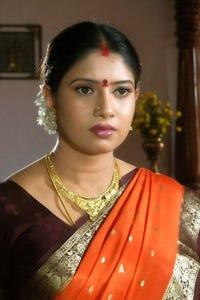 Sanghavi as Yamini