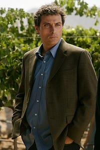 Rufus Sewell as Ian