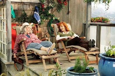 "Malibu Country - Season 1 - ""Pilot"" - Lily Tomlin and Reba McEntire"