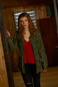 Kelley Missal as Danielle Manning