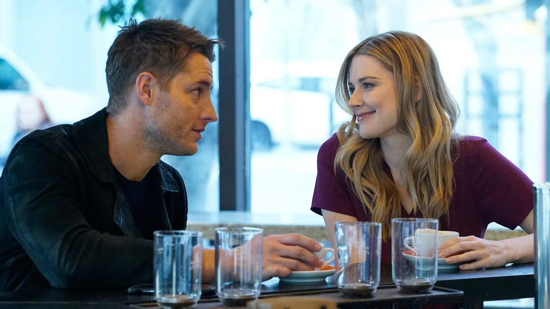 Justin Hartley and Alexandra Breckenridge, This Is Us
