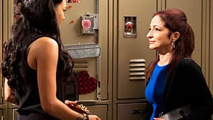 """Glee's Gloria Estefan on Playing Santana's Mom: """"The Apple Doesn't Fall Far from the Tree"""""""