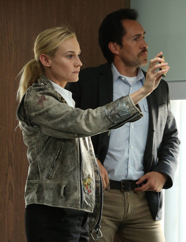 "The Bridge - Season 1 - ""Rio"" - Diane Kruger as Sonya Cross, Demian Bichir as Marco Ruiz"