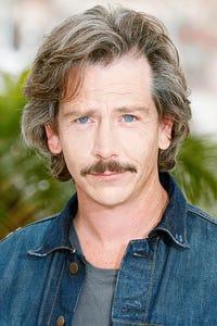Ben Mendelsohn as Elias