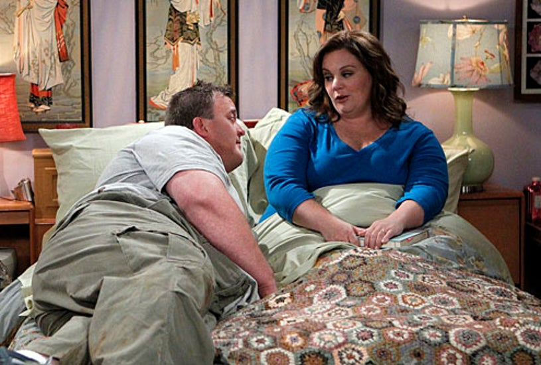 "Mike & Molly - Season 2 - ""Goin' Fishin"" - Billy Gardell and Melissa McCarthy"