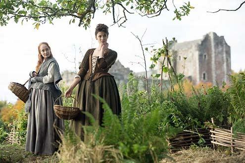 Outlander - Season 1 - Lotte Verbeek and Caitriona Balfe