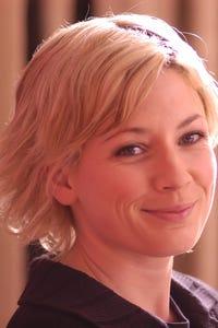 Kate Ashfield as Kat