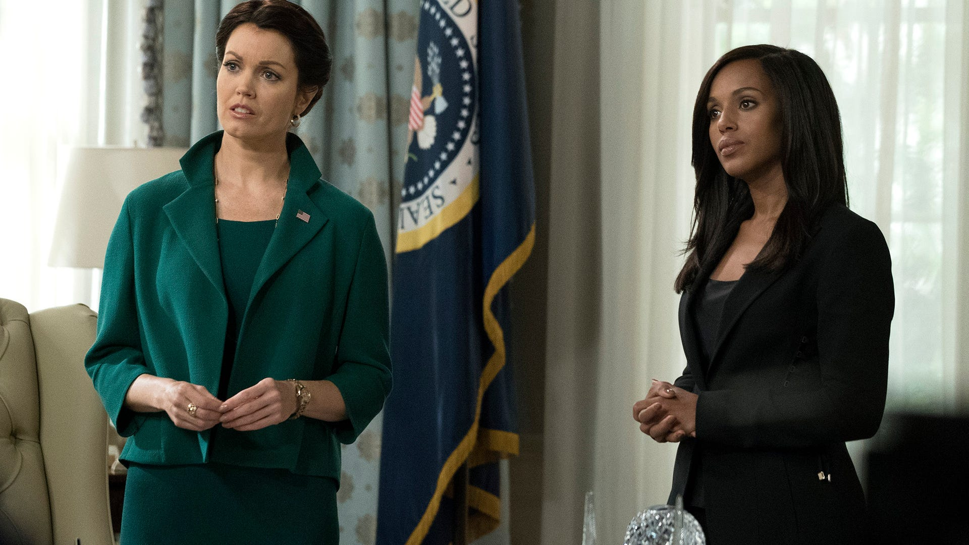 Bellamy Young and Kerry Washington, Scandal
