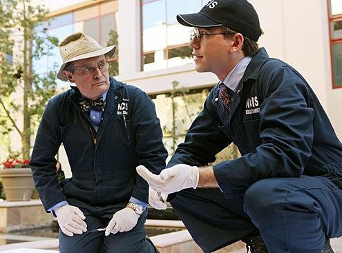 """NCIS - Season 8 - """"Kill Screen"""" - David McCallum and Brian Dietzen"""