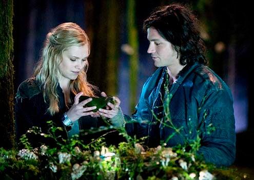 "The 100 - Season 1 - ""Pilot"" - Eliza Taylor and Thomas McDonell"