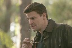 Bones, Season 1 Episode 4 image