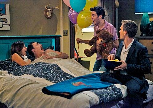 "How I Met Your Mother - Season 5 - ""Doppelgangers"" - Neil Patrick Harris, Josh Radnor, Jason Segel, Alyson Hannigan"