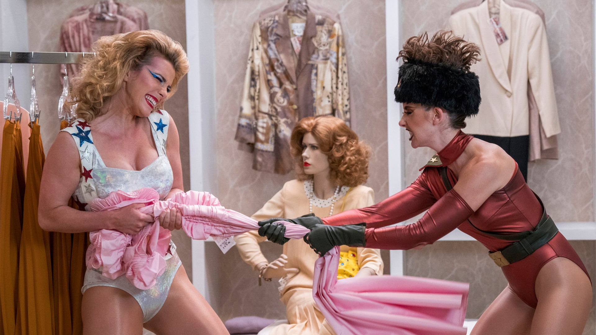 Betty Gilpin, Alison Brie; Glow