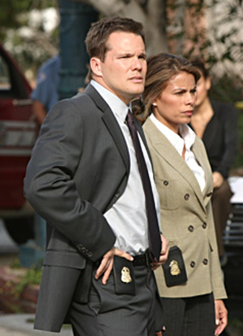 """Numb3rs - """"Burn Rate"""" - Dylan Bruno as Colby, Lisa Vidal as ATF agent Jennifer Malloy"""