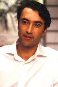 Mehmet Kurtulus as Dylan