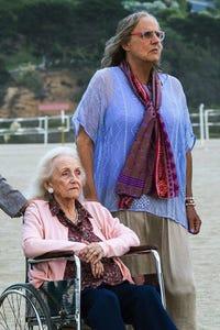 Shannon Welles as Elderly Woman