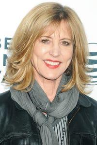 Christine Lahti as Sydney Gale