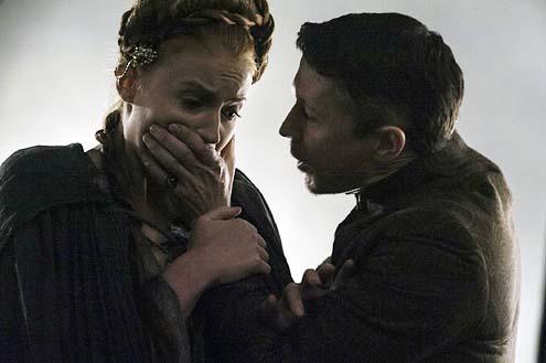"Game of Thrones - Season 4 - ""Breaker of Chains"" - Sophie Turner and Aidan Gillen"