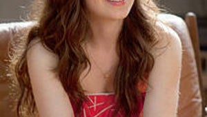 5 Things to Know About Fox's New Girl, Zooey Deschanel