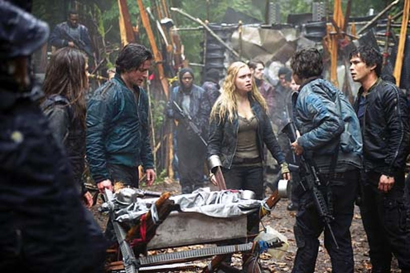 """The 100 - Season 1 - """"We Are Grounders - Part 1"""" - Thomas McDonell, Eliza Taylor and Bob Morley"""