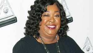 Shonda Rhimes, Betsy Beers Sells Comedy to ABC From Cougar Town Duo