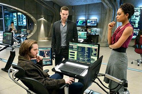 """Nikita - Season 3 - """"Black Badge"""" - Aaron Stanford, Shane West and Lyndie Greenwood"""