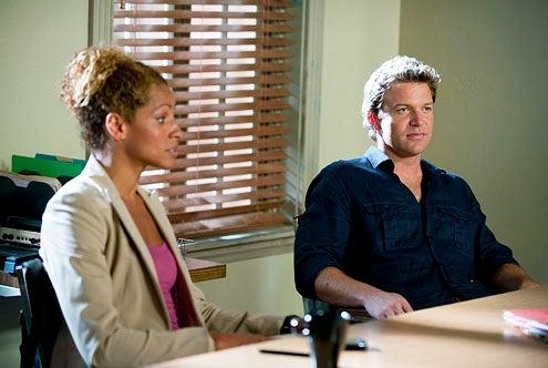 "The Glades - Season 1 - ""Bird in Hand"" - Michele Hurd as Colleen Manus and Matt Passmore as Jim Longworth"