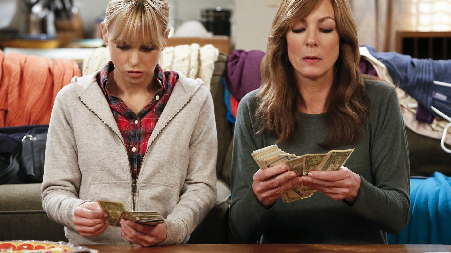 Anna Faris and Allison Janney, Mom