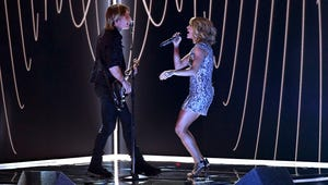 """Grammys: Keith Urban and Carrie Underwood Perform """"The Fighter"""""""