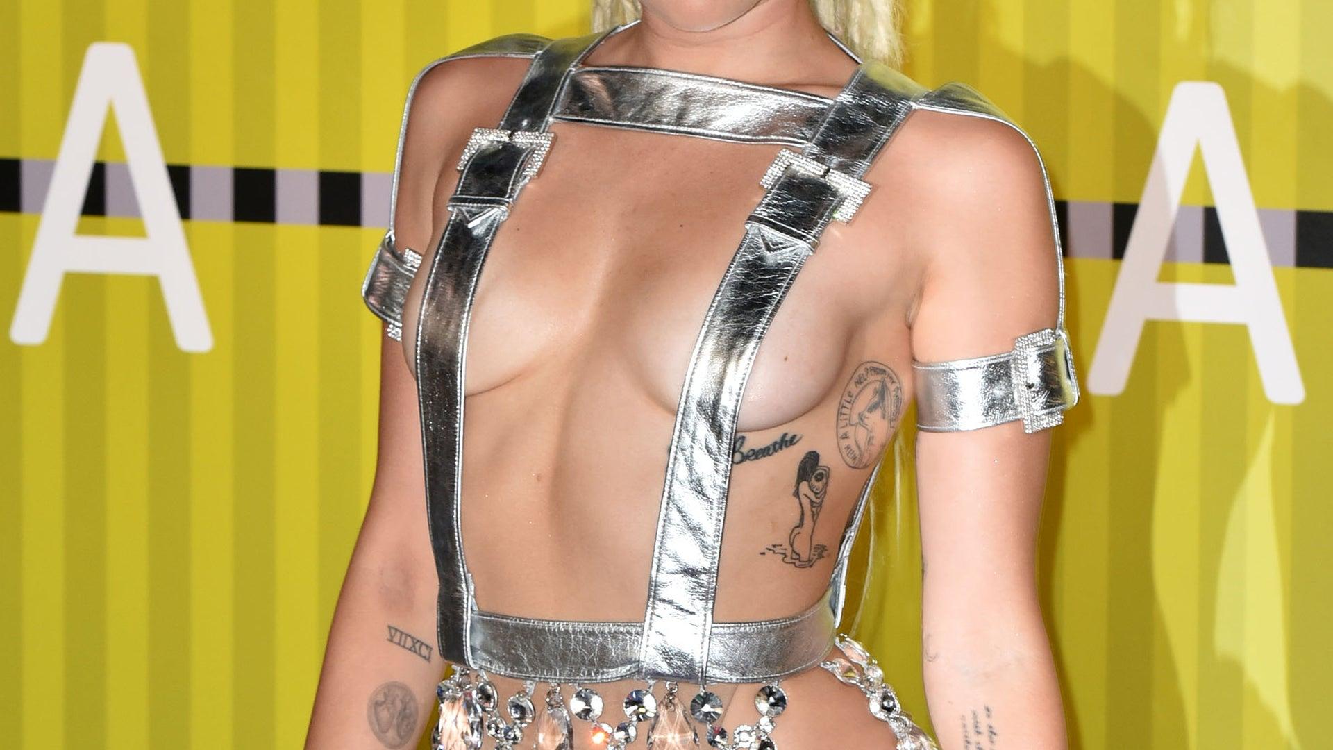 Miley Cyrus, 2015 MTV Video Music Awards