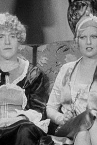 Thelma Todd as Gloria Duval