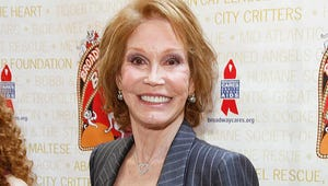 Mary Tyler Moore Dies at 80