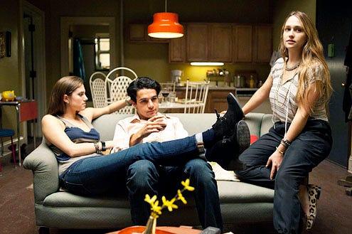 Girls - Season 1 - Allison Williams, Chris Abbott and Jemima Kirke