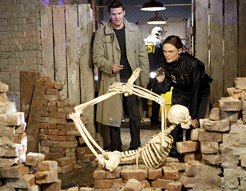 """Bones - Season 3 - """"The Verdict in the Story"""" - David Boreanaz as Booth and Emily Deschanel as Brennan"""