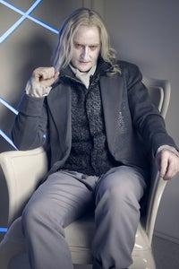 Tony Curran as Dean Harken