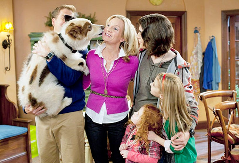 """Dog with a Blog - Season 1 - """"Stan of the House"""" - Beth Littleford, Francesca Capaldi, Blake Michael and G. Hannelius"""