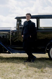Killian Scott as Seth Davenport
