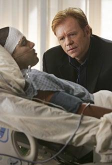 """CSI: Miami - """"Man Down"""" - Adam Rodriguez as Delko, David Caruso as Horatio"""