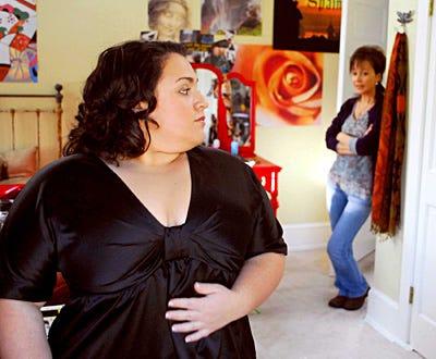 Queen Sized - Nikki Blonsky as Maggie Baker, Annie Potts as Joan Baker