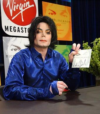 "Michael Jackson - record signing for ""Invincible"", Virgin Megastore Times Square, New York City, November 7, 2001"