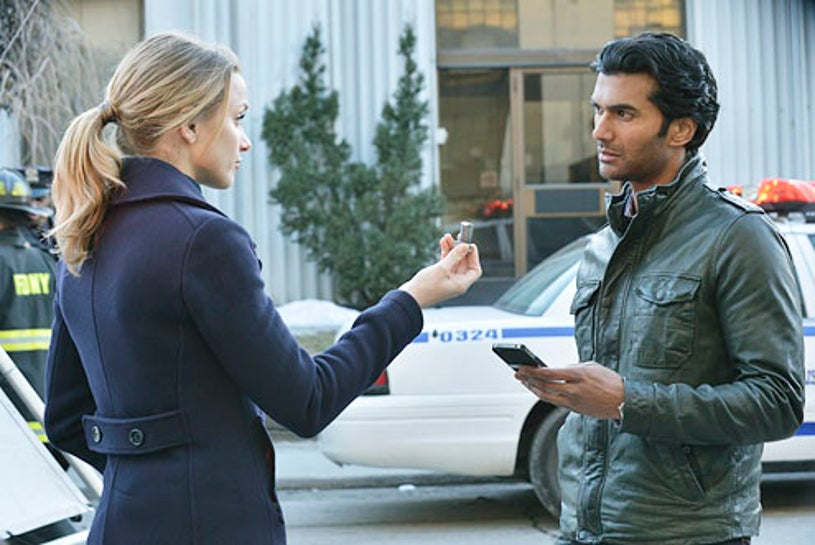 "Beauty and the Beast - Season 1 - ""Playing With Fire"" -  Shantel VanSanten and Sendhil Ramamurthy"