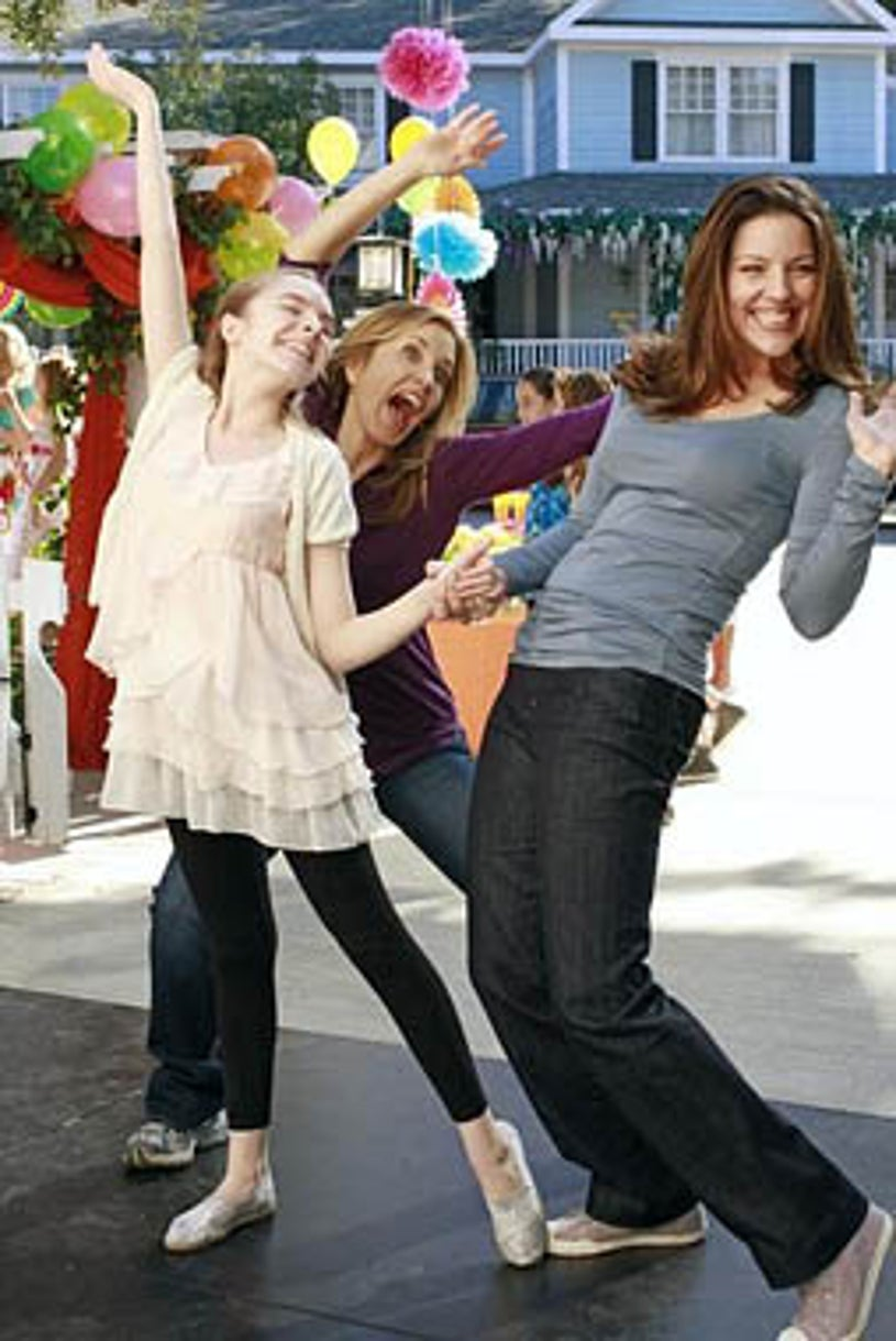 """Desperate Housewives - Season 8 - """"You Take for Granted"""" - Darcy Rose Byrnes, Felicity Huffman, Andrea Parker"""