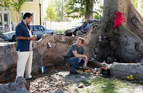 "The Glades - Season 2 - ""Family Matters"" - Carlos Gomez and Matt Passmore"