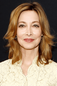 Sharon Lawrence as Robbie