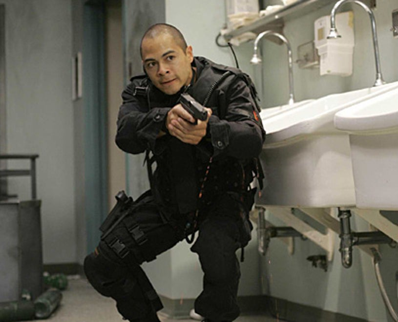 """Standoff - """"Life Support"""" - Jose Pablo Cantillo as Duff"""