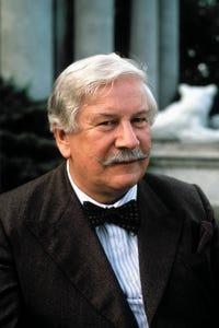 Peter Ustinov as Venneker