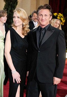 Robin Wright Penn and Sean Penn - The 81st Annual Academy Awards, February 22, 2009