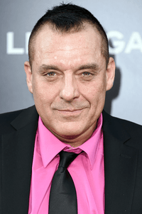 Tom Sizemore as Frank