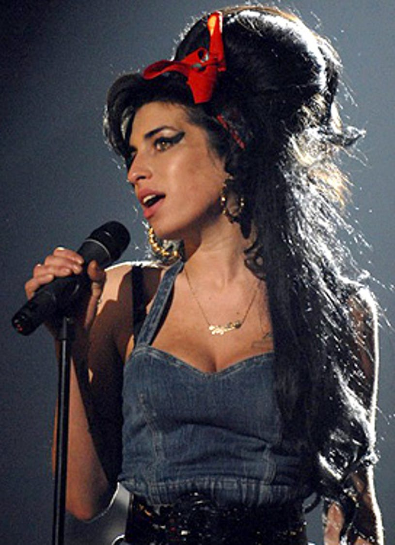 Amy Winehouse - performs at the 2007 MTV Europe Awards, Nov. 11, 2007